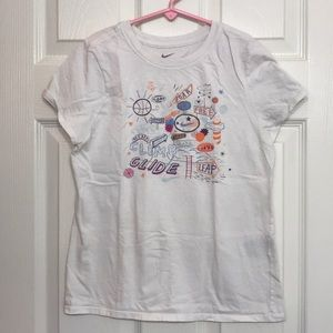 🌈Bundle 4 for $8🦄 Girl's Nike Tee